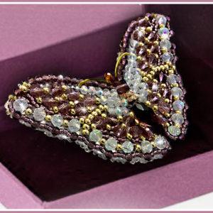 Образа в каменьях Брошь Бабочка Аметист 7,5х3,5см арт. 77-Б-02
