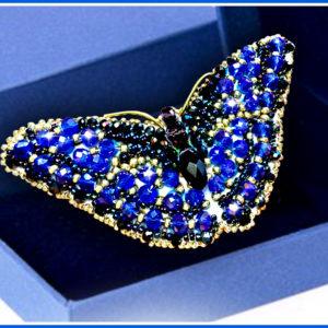 Образа в каменьях Брошь Бабочка Сапфир 7,5х3,5см арт. 77-Б-12